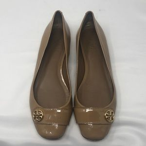 Tory Burch Patent leather tan loafers flats